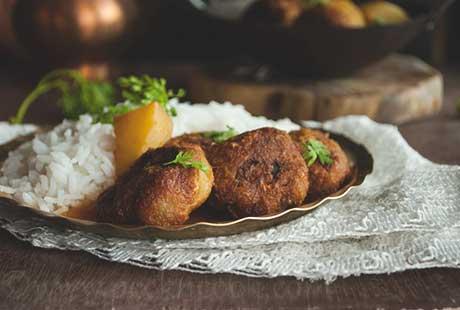 Kanchakolar Kofta Curry