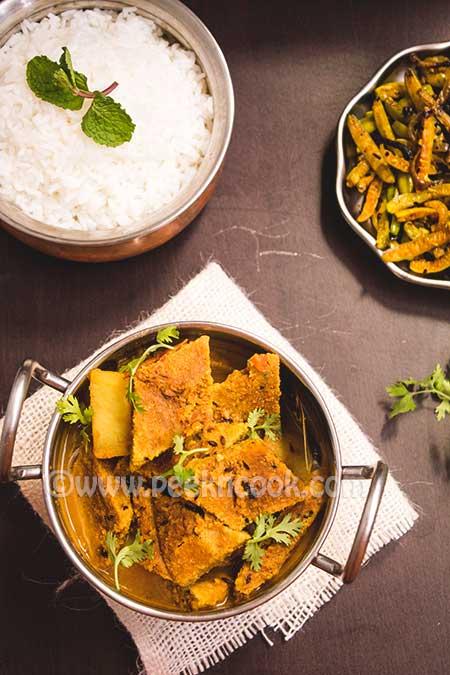 Dhokar Dalna Or Lentil Cake Curry