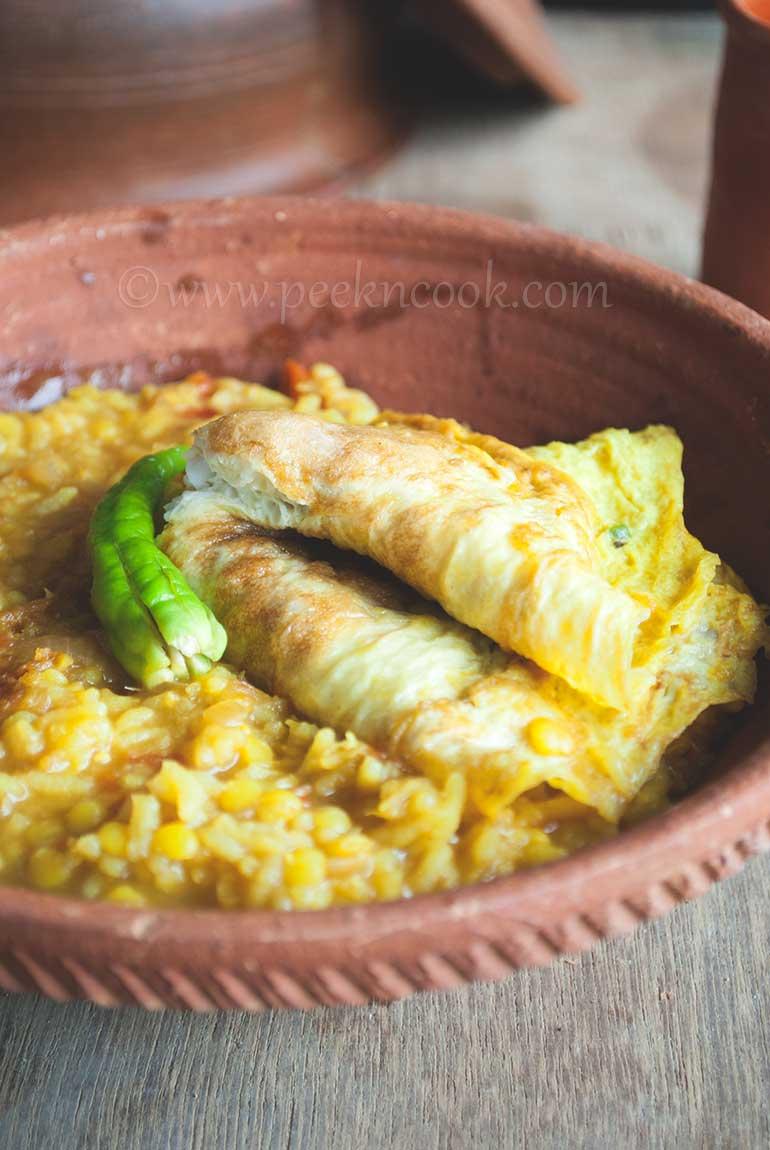 Dim Die Moosor Daler Patla Khichuri