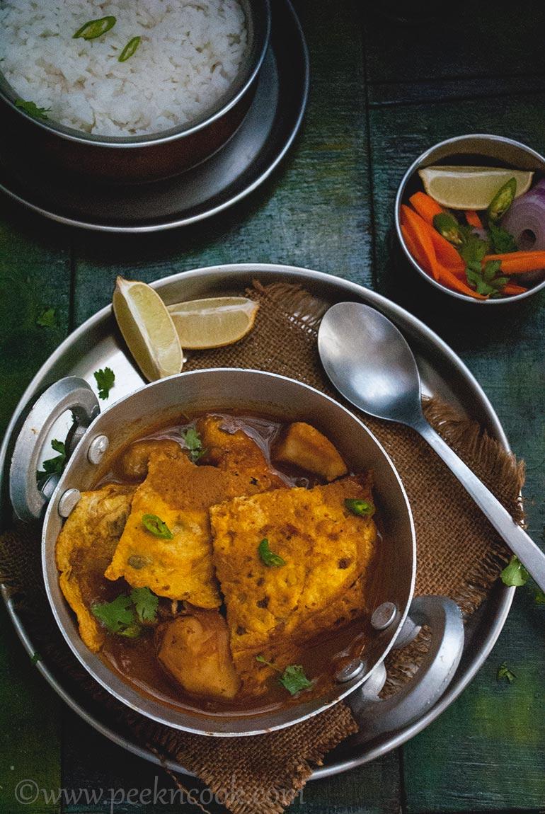 Egg omelet Curry Or Dimer Bowrar Jhol