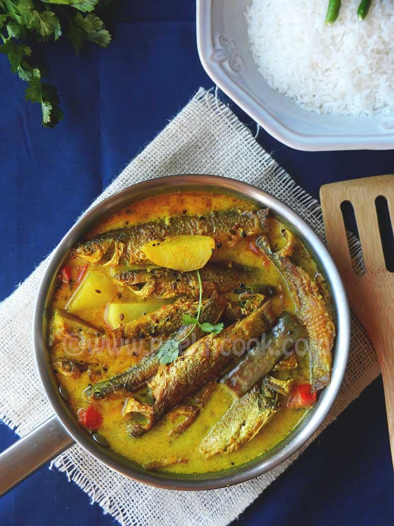Parshe Macher Jhal Or Parshe Fish In Mustard Gravy