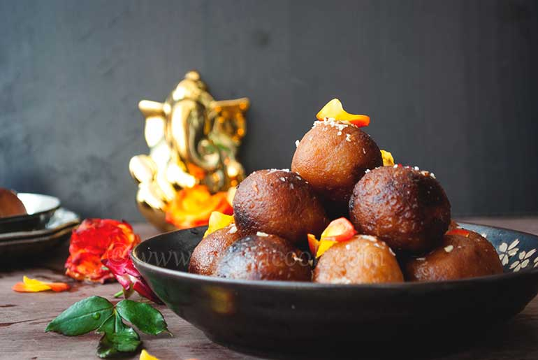 Rangalur Pantua Or Sweet Potato Gulab Jamun